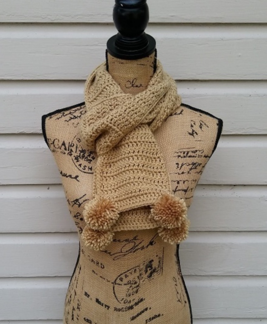 ET_PomPomScarf_02