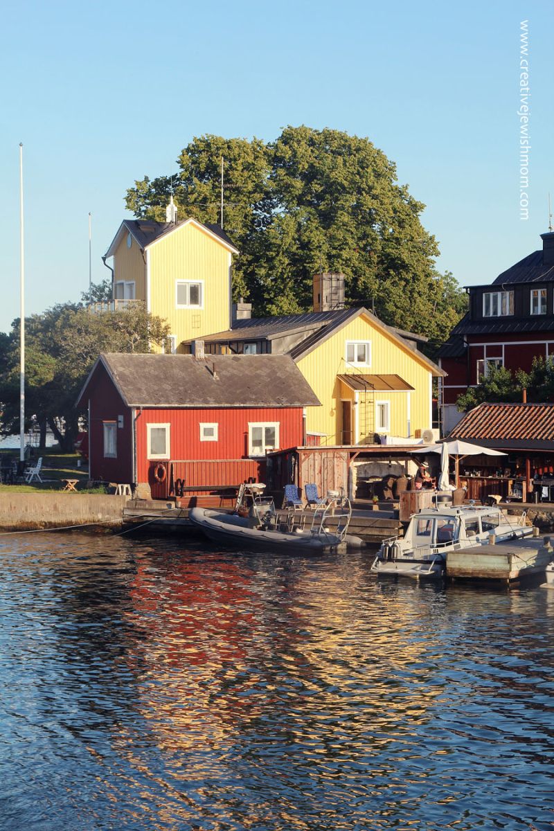 Sandhamn-Island-harbour-first-last-glimpse