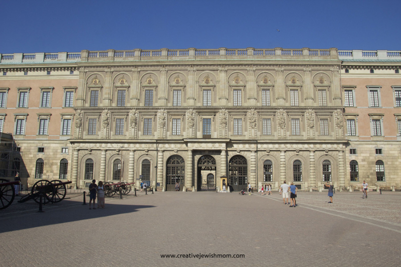 Royal-palace-stockholm-back-entrance