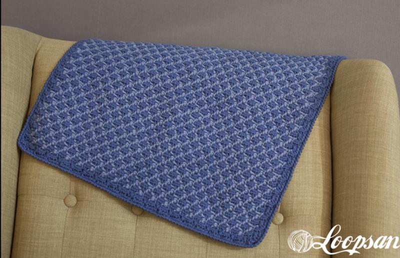 Crocheted-diamond-pattern-baby-blanket