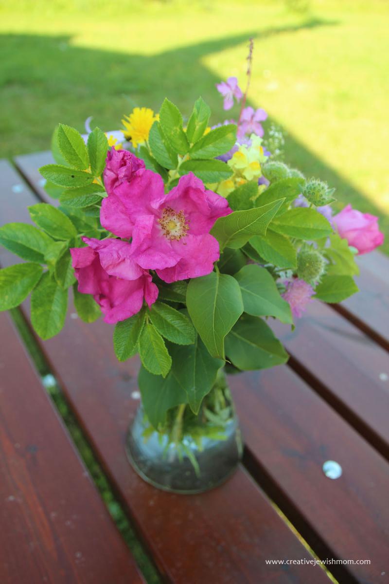 Swedish-wild-flowers-bouquet