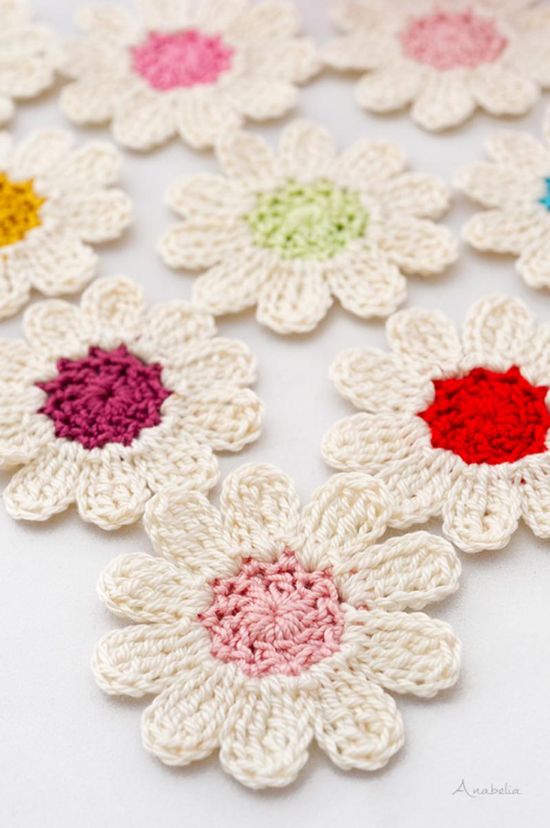 Crocheted daisy flower