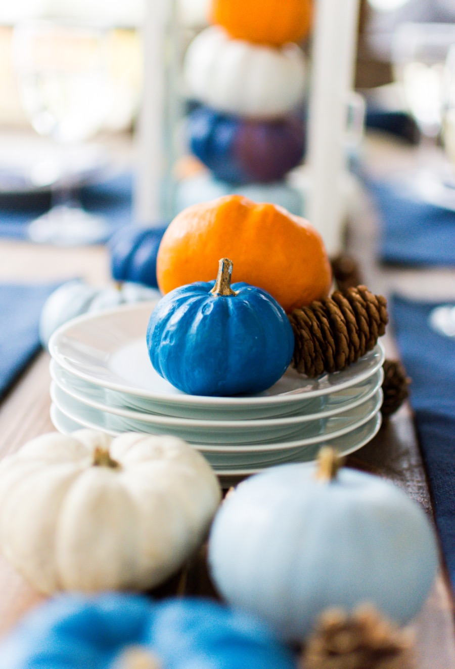 Thanksgiving-Table-Setting-Idea-Navy-Blue-White-Orange-with-Gallo-Wine-Pinot-Grigio-@itallstartedwithpait.com-65-1