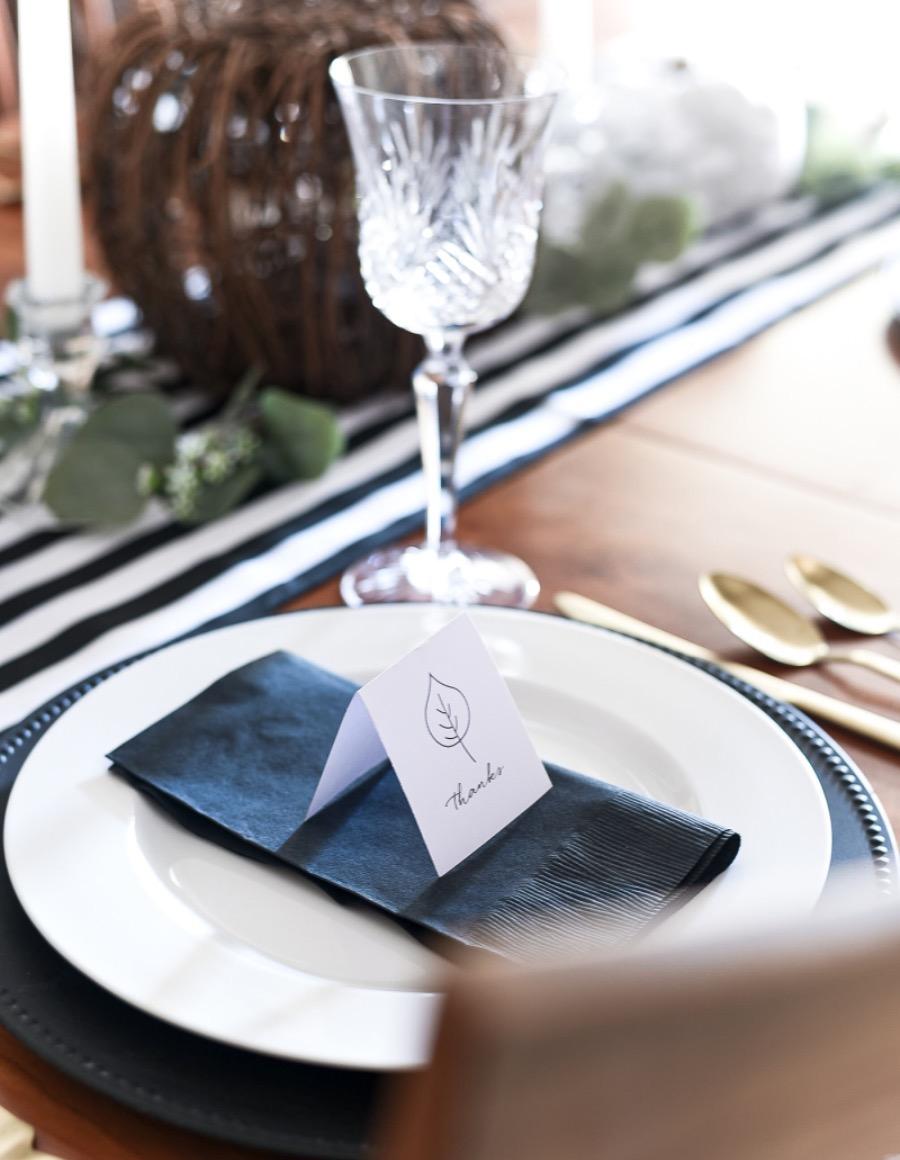 Thanksgiving-table-setting-ideas-placecard-free-printable-gray-white-black-white-2-of-18