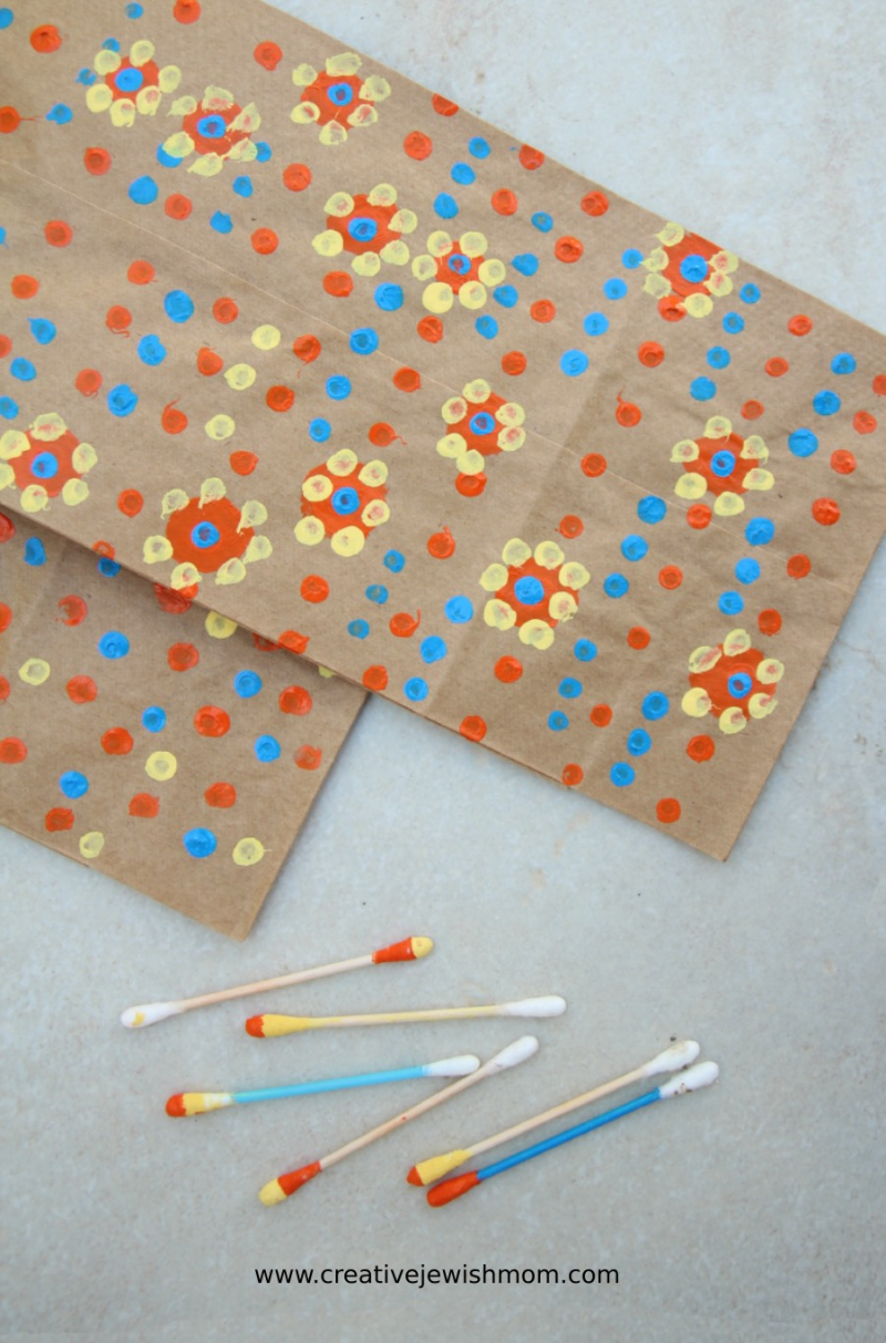 Q-tip-painted-gift-bags