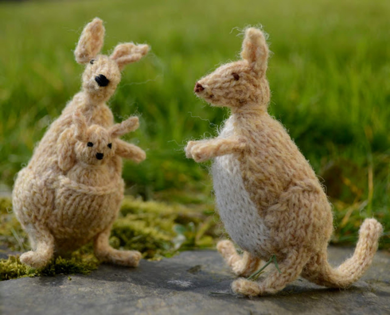 Knit-kangaroo