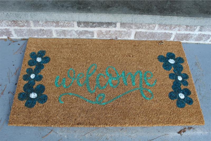 DIY-stenciled-doormat