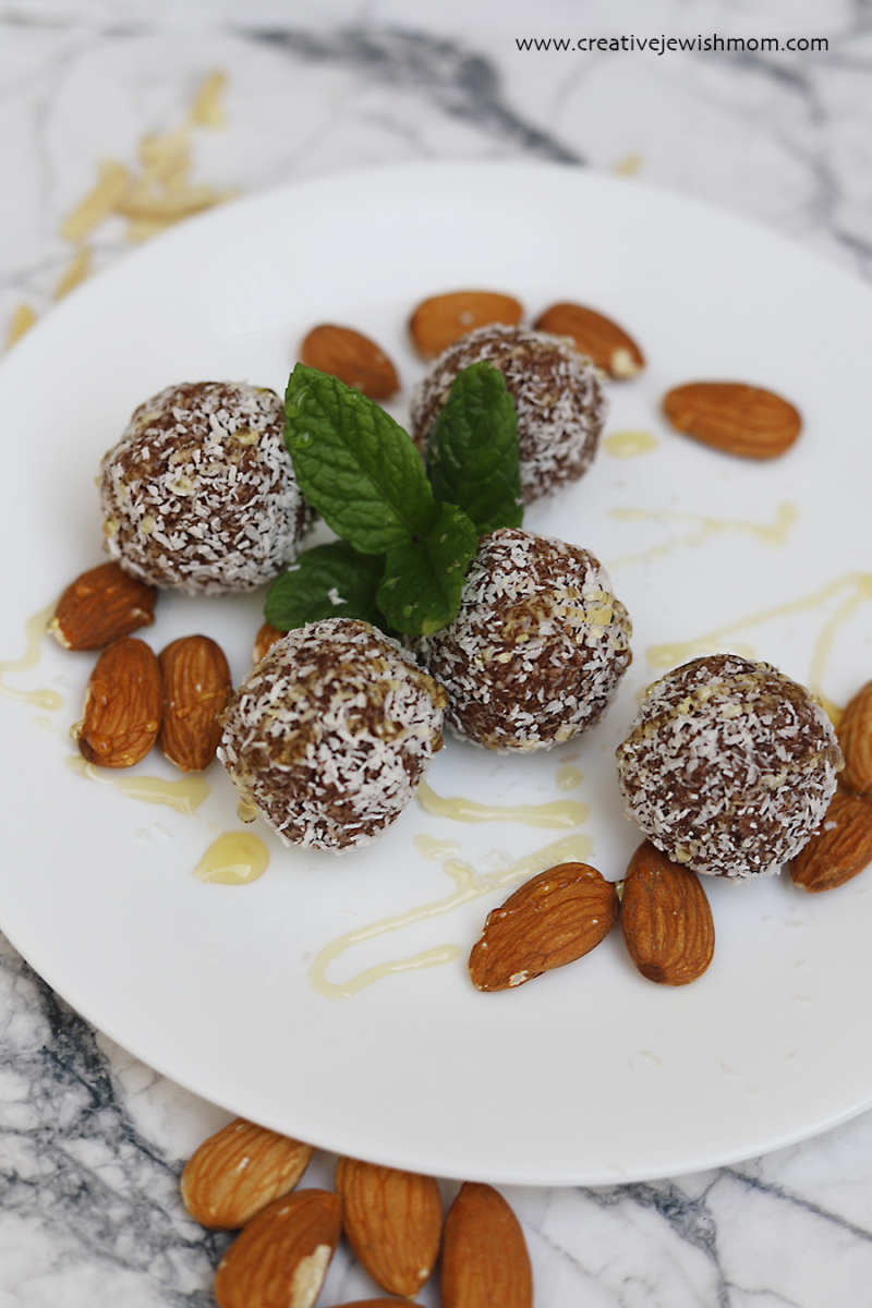 Healthy-date-balls-with-chocolate