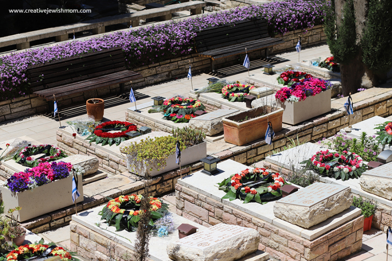 Military-cemetary-on-memorial-day-tsfat-israel