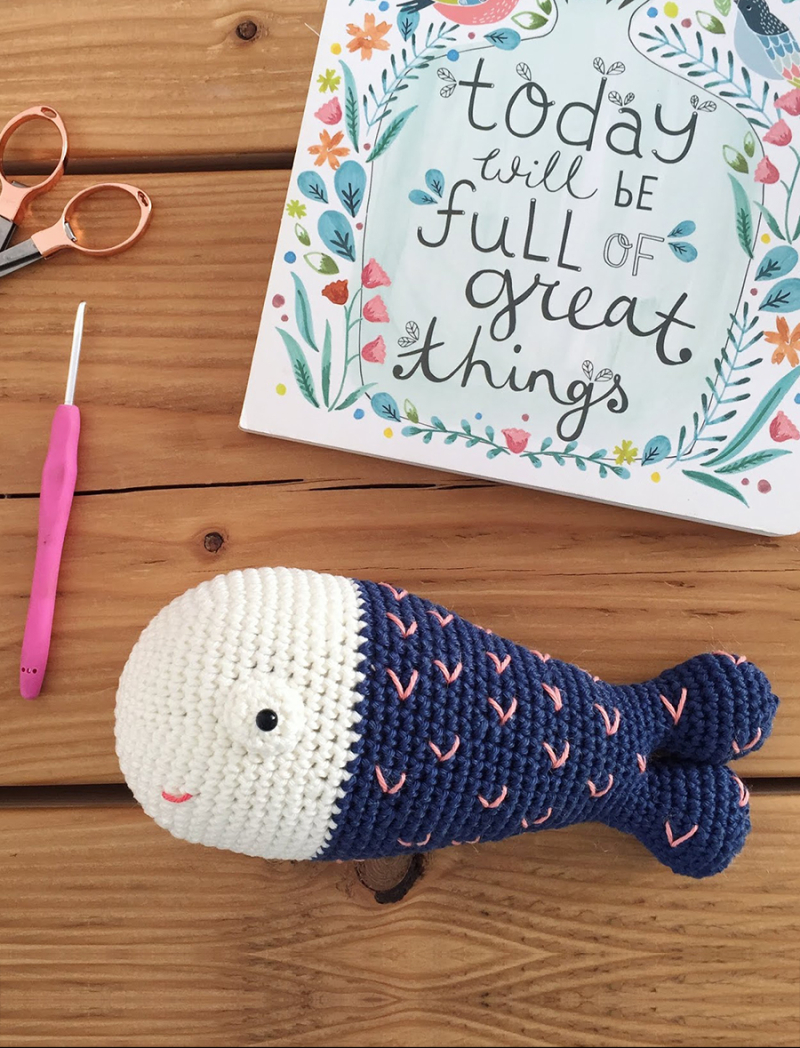 Simple-crochet-fish-stuffie