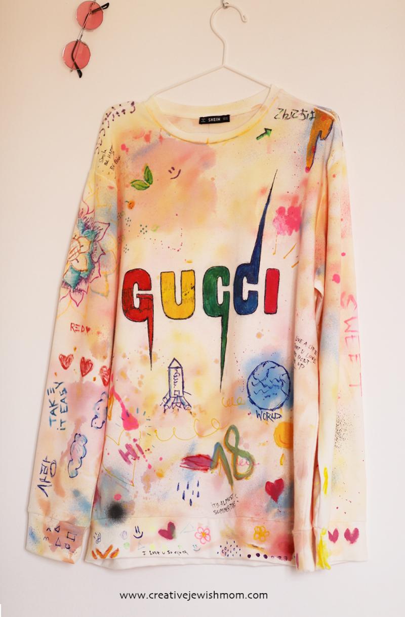 DIY-graffiti-sweatshirt-craft