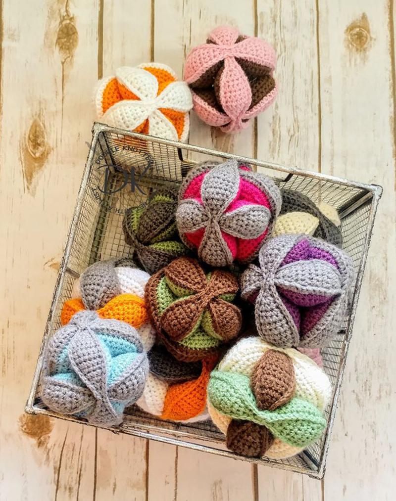 Crochet-amish-puzzle-baby-ball