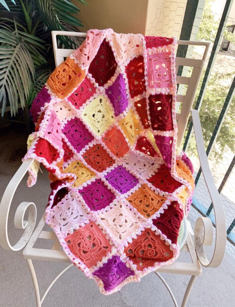 Belarus-crocheted-granny-square-baby-blanket