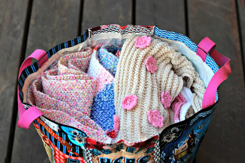 Crocheted-scarves-inspiration-with-pink-flowers