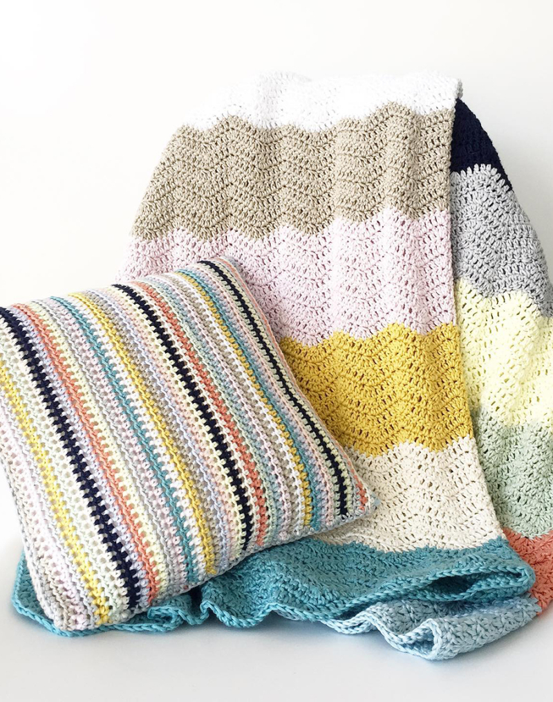 Crocheted-waves-cotton-blanket