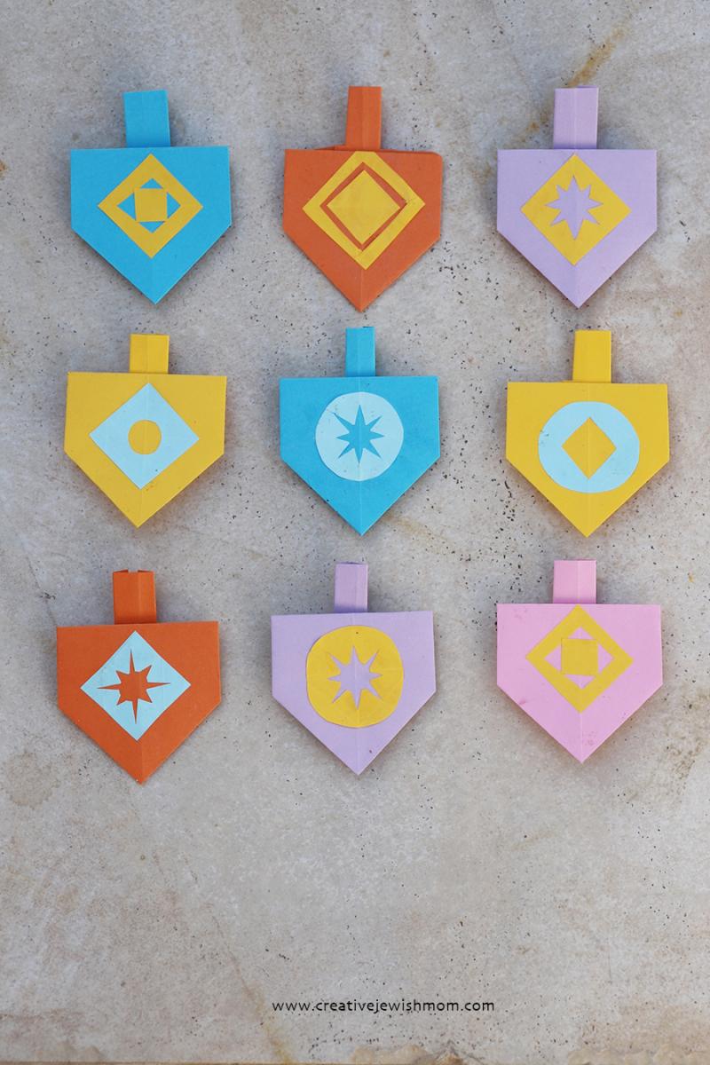 Origami-dreidels-for-garland