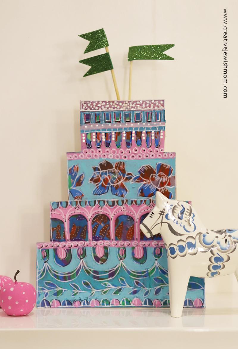 Stand-up-birthday-cake-artful