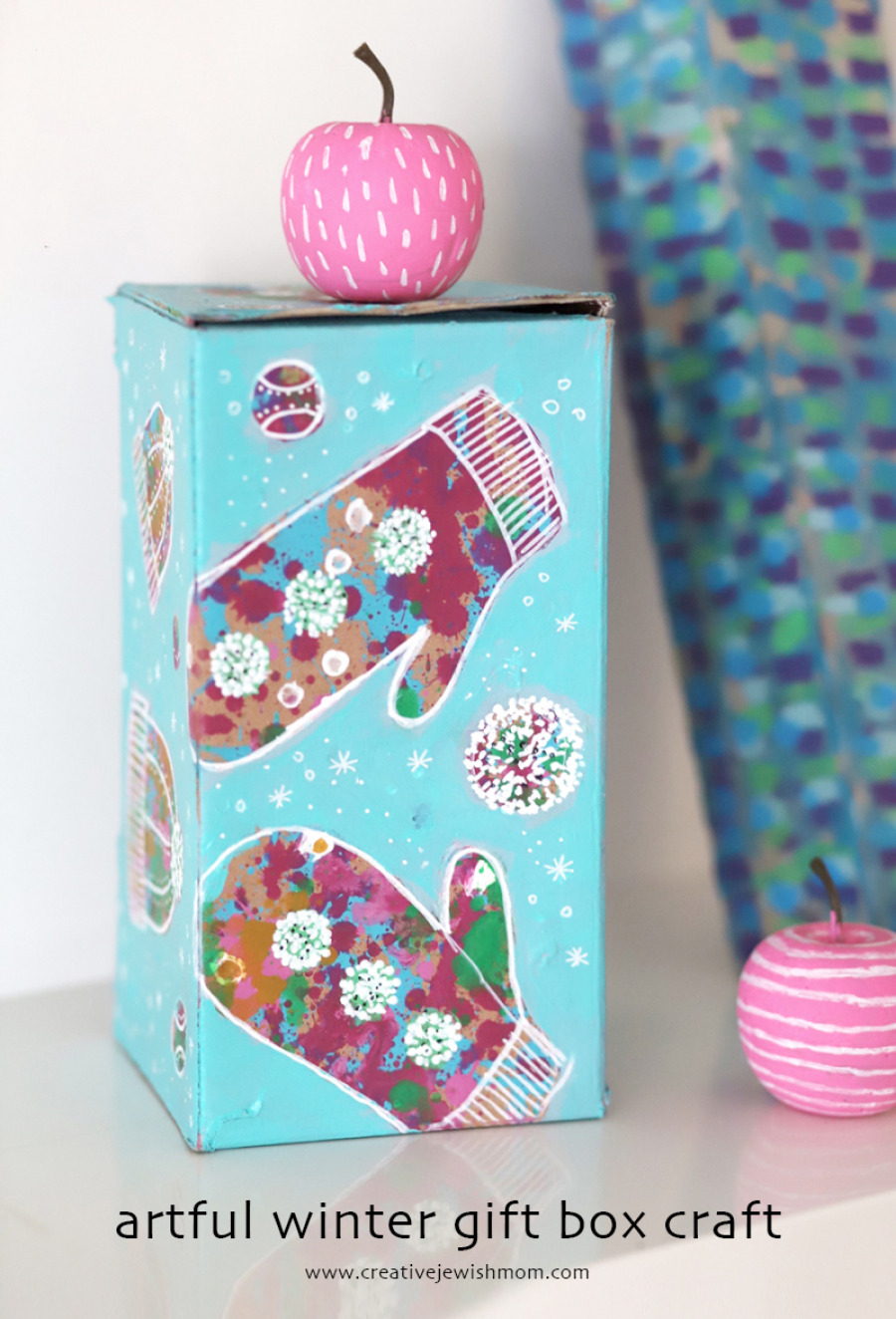 Recycled gift box with painted mittens