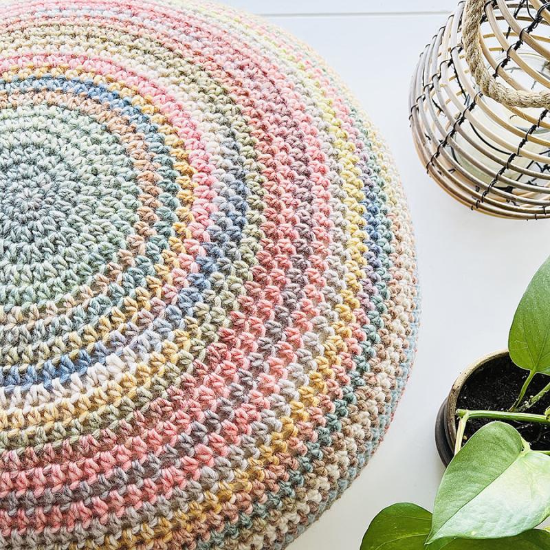 Crocheted-pouf-floor-striped