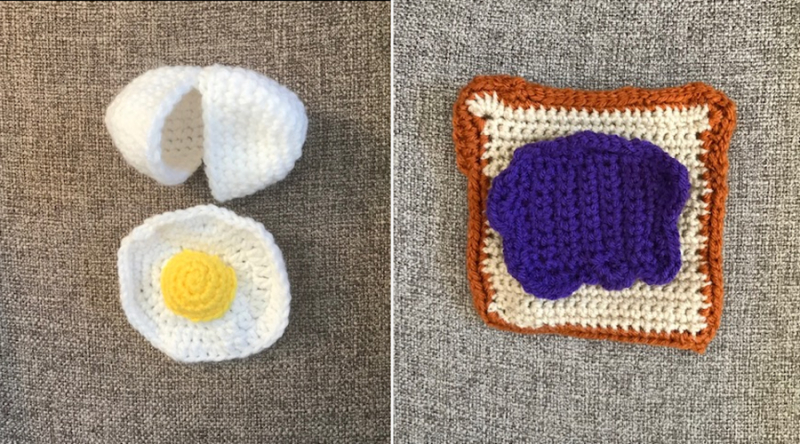 Crocheted-play-food-egg-toast-with-jam