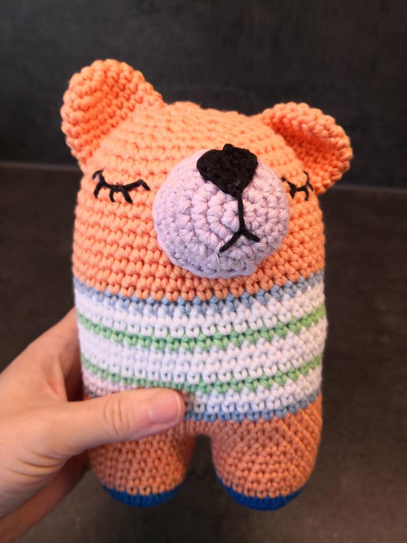Crocheted-bear-2-legs