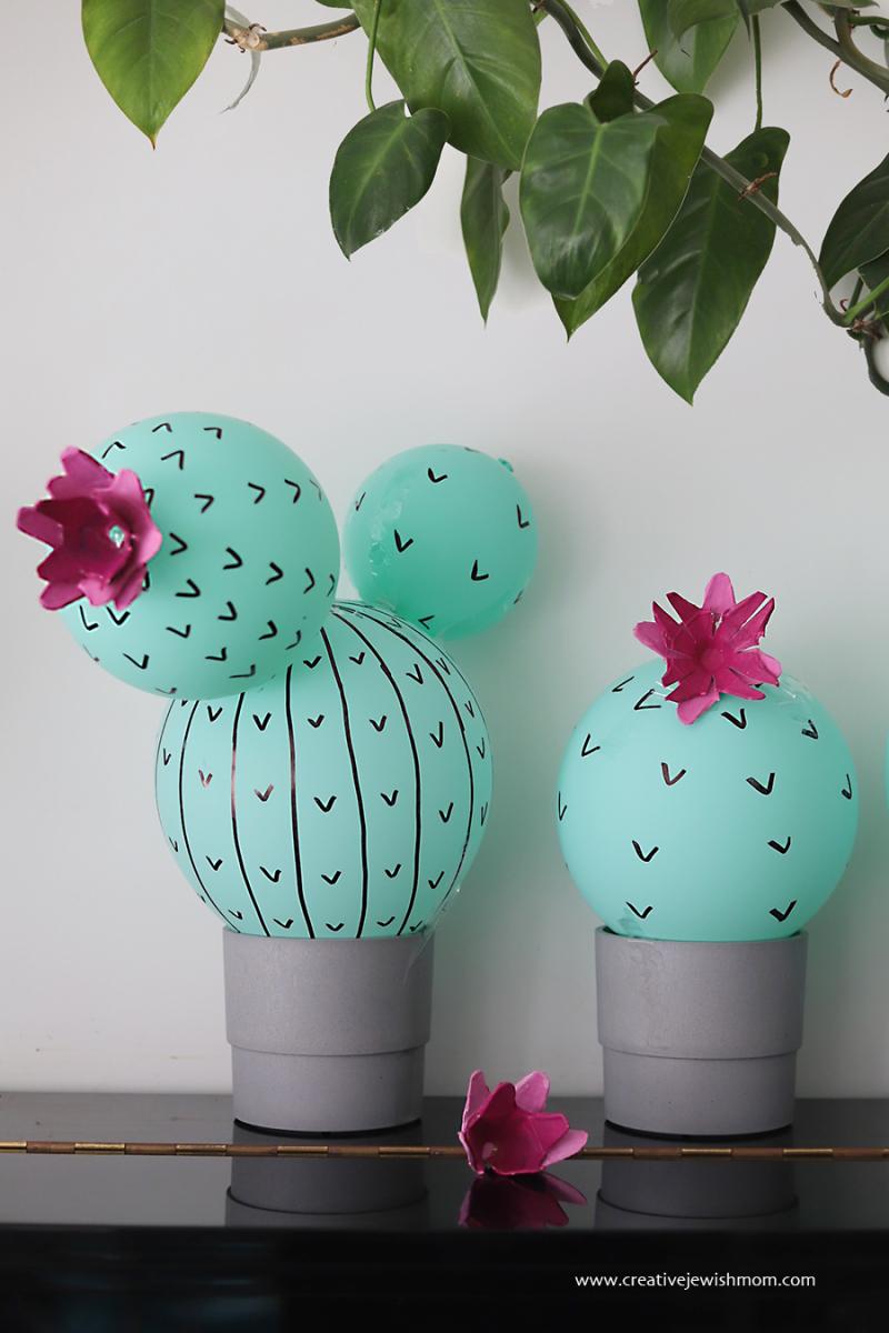 Balloon-cactus-birthday-decoration