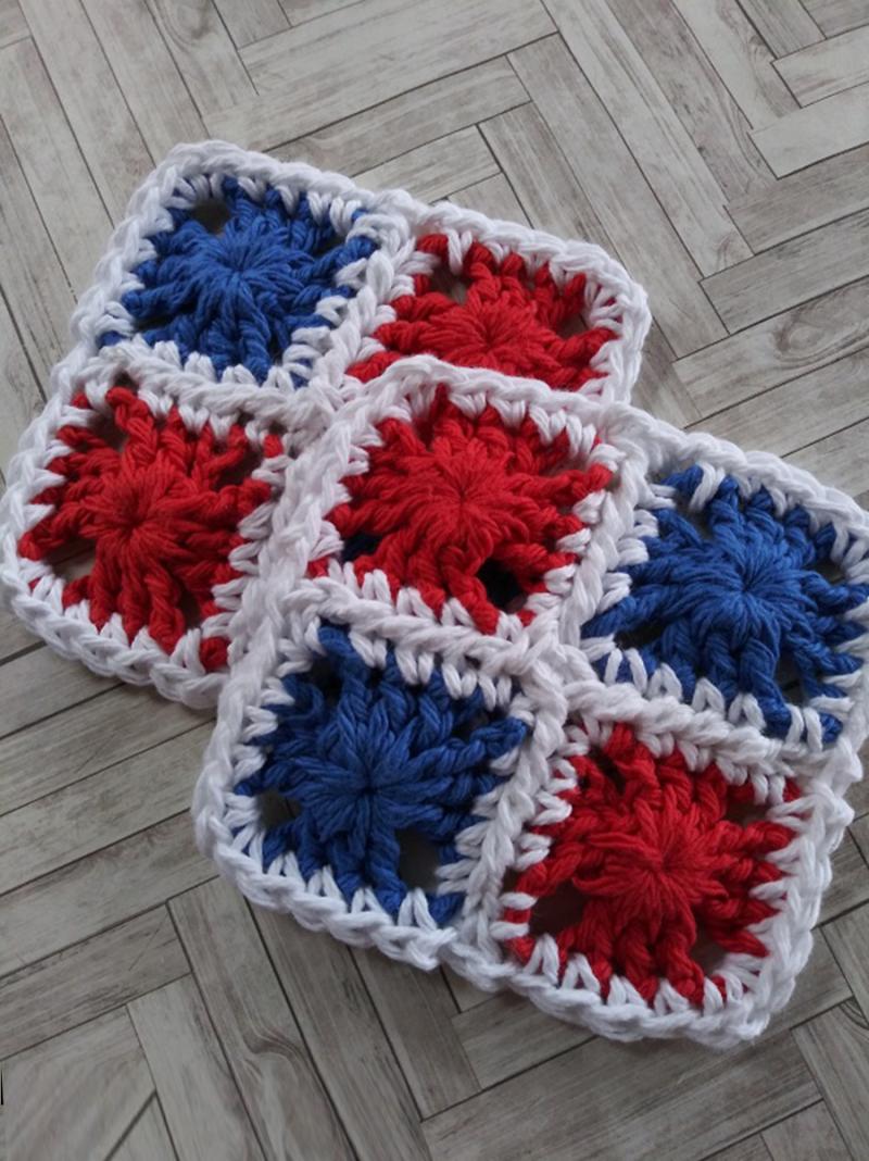 Mini-crochet-granny-coaster