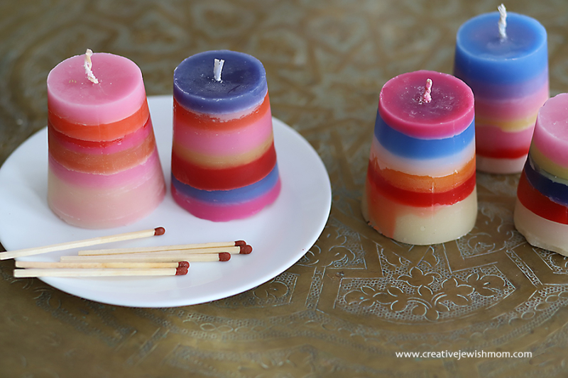 Striped-havdalah-candles-group-looking-down