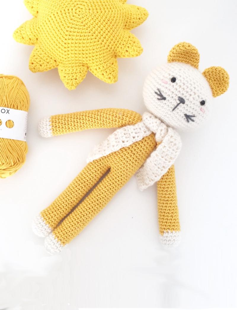 Cute-crochet-cat-doll