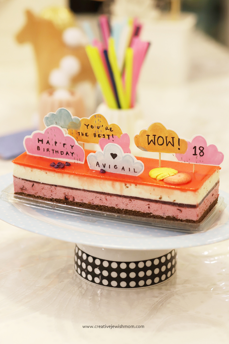 Little-cloud-cake-toppers-for-every-occasion