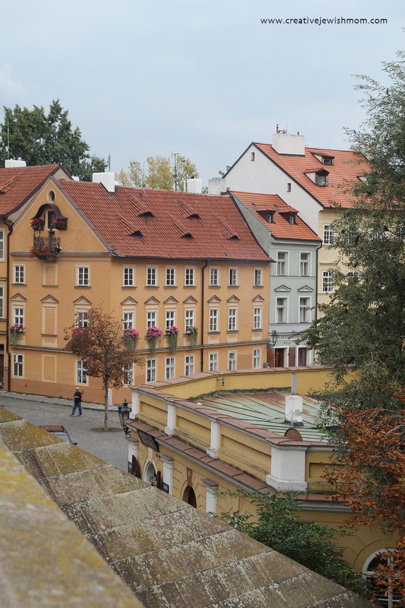 Prague-houses-window-boxes