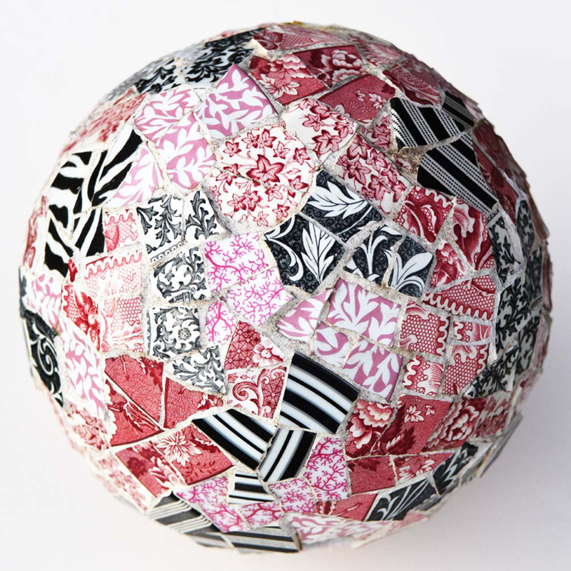 Mosaic-ball-red-pink-black