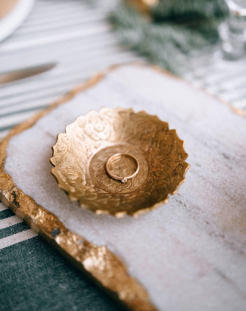 Jewelry gold ring dish
