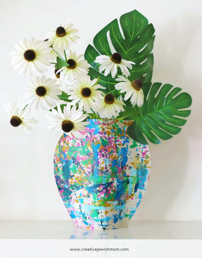 DIY-cardboard-vase