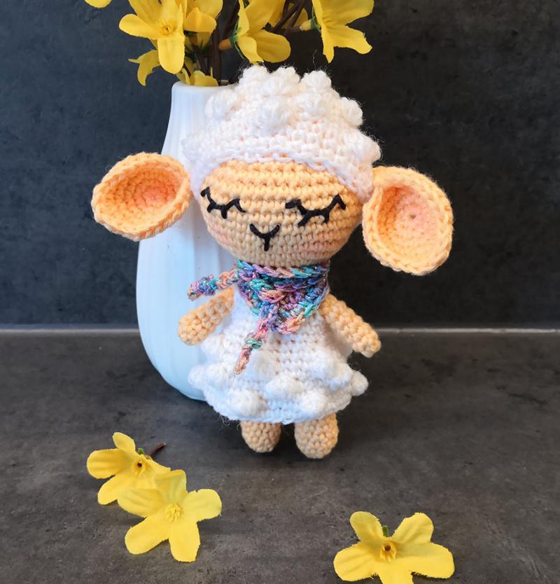 Crocheted-lamb-amigurumi