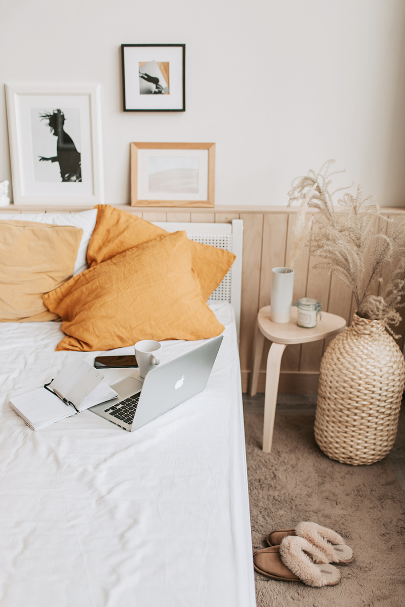 Bedroom natural elements