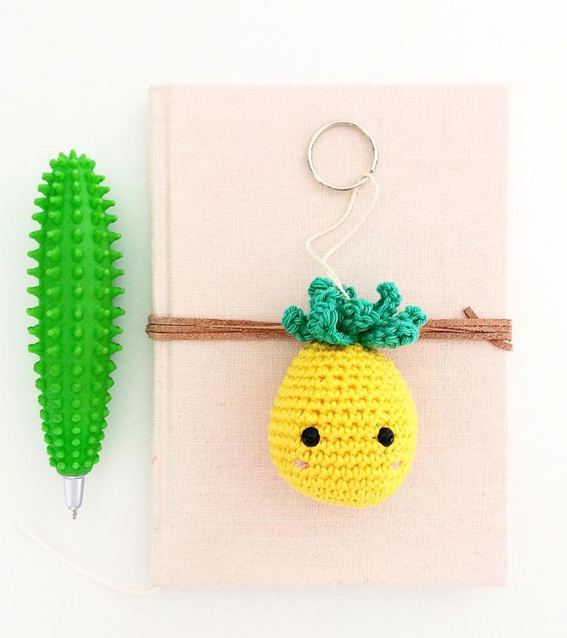 Crochet-pineapple-keychain