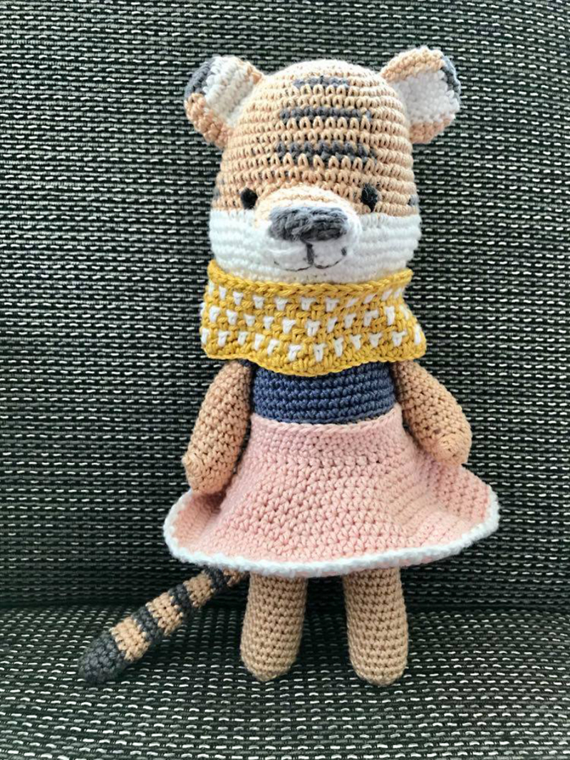 Crochet-bear-with-skirt