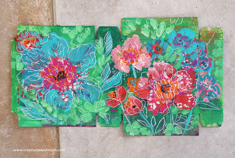 Abstract-floral-painting-gift-box