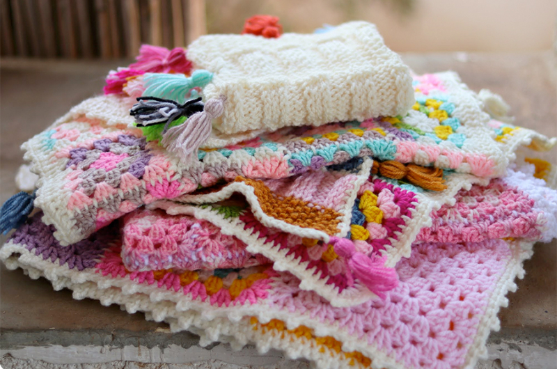 Crocheted-granny-square-blankets