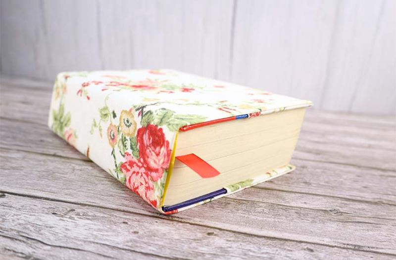 DIY-fabric-book-cover