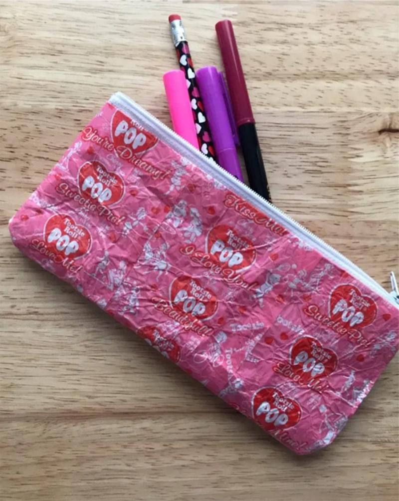 Candy-wrapper-zipper-pouch