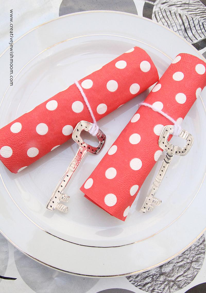 DIY-key-napkin-ring