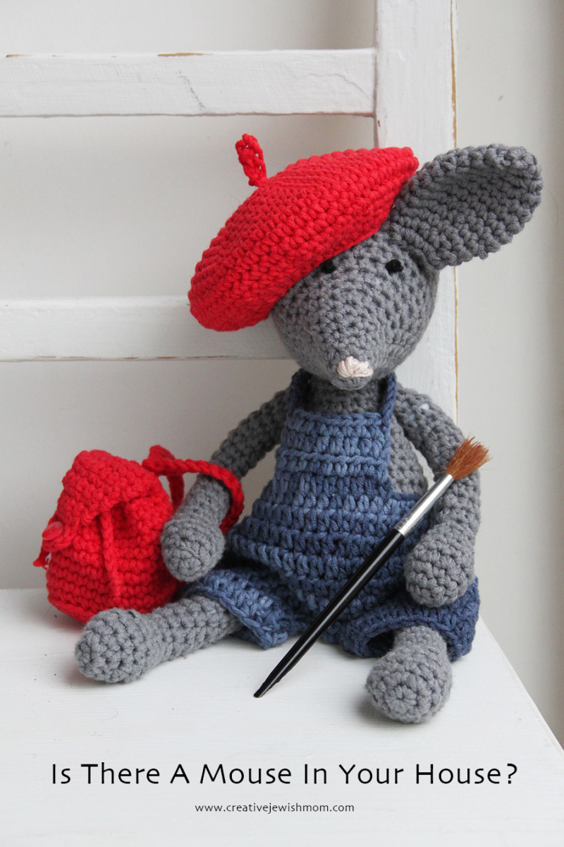 Mouse-crafts-crocheted-mouse