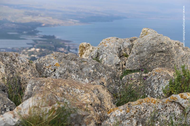 Israel-mount-arbel-rocks