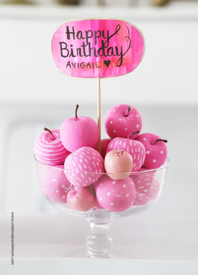 Birthday-centerpiece-pink-apples 2