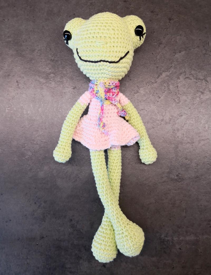 Crocheted-frog-in-dress